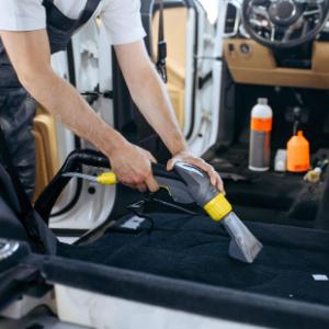 Servicio de Limpieza de Coche Integral y Con Ozono - RetamaCars
